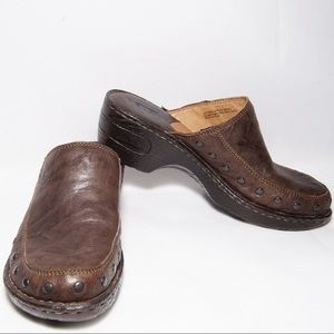 Born Leather clog size 7